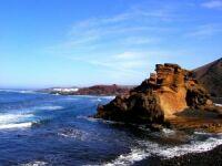 Lanzarote Felsen im Meer