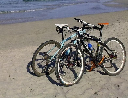mountainbiking-lanzarote-strand